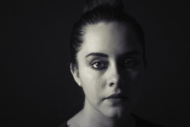 femme qui pleure